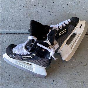 Bauer Supreme 3000 youth hockey skates